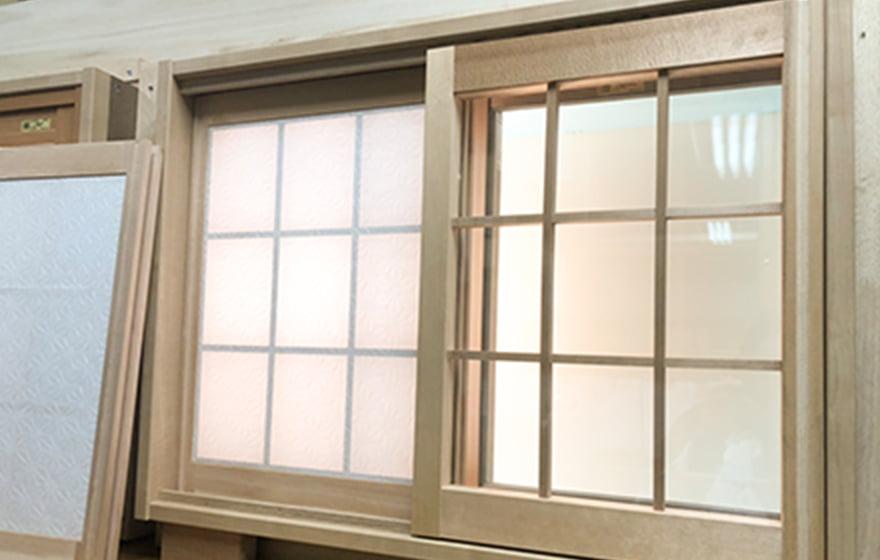 画像:ガラスモコ窓